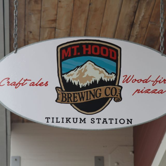https://mthoodbrewing.com/wp-content/uploads/2018/07/MHBCSIGN-640x640.jpg